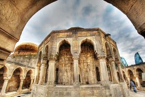 希爾萬沙宮殿